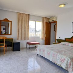 Отель Amoros комната для гостей фото 5