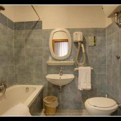 Отель Ariele Италия, Флоренция - 13 отзывов об отеле, цены и фото номеров - забронировать отель Ariele онлайн ванная фото 2
