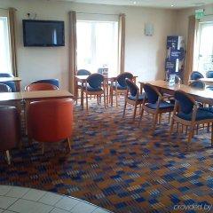 Отель Holiday Inn Express East Манчестер помещение для мероприятий