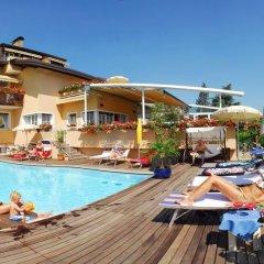 Отель Pension Aurora Аппиано-сулла-Страда-дель-Вино бассейн