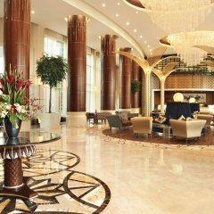 Отель Khalidiya Palace Rayhaan by Rotana, Abu Dhabi интерьер отеля