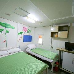 Отель Guest House Myeongdong удобства в номере