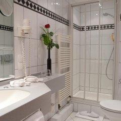 Favored Hotel Plaza ванная