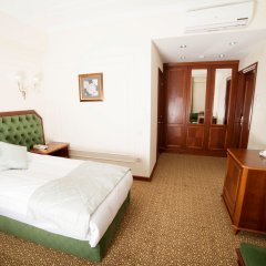 Гостиница The Plaza Almaty комната для гостей фото 5