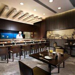 Отель Harbour Grand Hong Kong гостиничный бар