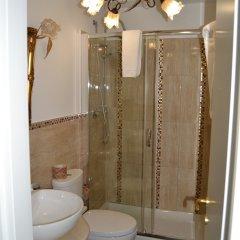 Hotel Ristorante Porto Azzurro Джардини Наксос ванная