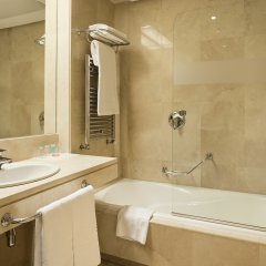 Отель Ilunion Alcala Norte Мадрид ванная