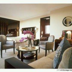 Hotel Plaza Athenee Париж комната для гостей