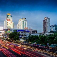Отель Berkeley Pratunam Бангкок вид на фасад