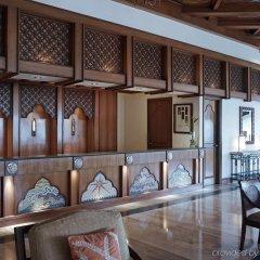 Отель Vivanta By Taj Fort Aguada Гоа гостиничный бар