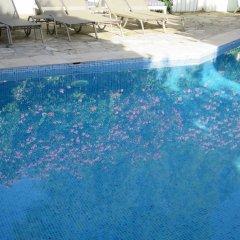 Hotel Kalehan бассейн