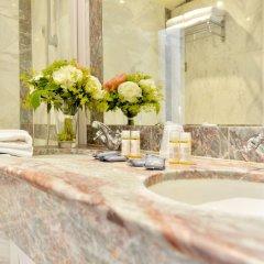 Отель Unic Renoir Saint Germain Париж ванная фото 2