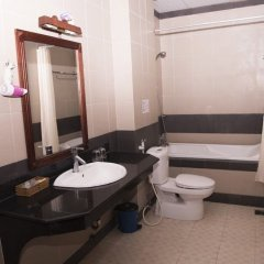 Отель Ocean Star Hotel Вьетнам, Вунгтау - отзывы, цены и фото номеров - забронировать отель Ocean Star Hotel онлайн ванная фото 2