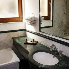 Hotel Relais Patrizi ванная