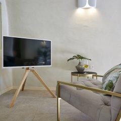 Отель Gitsa Cliff Luxury Villa Греция, Остров Санторини - отзывы, цены и фото номеров - забронировать отель Gitsa Cliff Luxury Villa онлайн комната для гостей фото 5