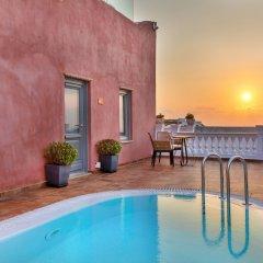 Отель Tramonto Secret Villas Греция, Остров Санторини - отзывы, цены и фото номеров - забронировать отель Tramonto Secret Villas онлайн бассейн фото 2