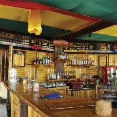 Отель Moonwalk Lanta Resort Ланта гостиничный бар