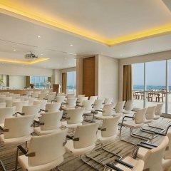 Отель DoubleTree by Hilton Dubai Jumeirah Beach