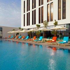 Отель Aloft Me'aisam, Dubai бассейн фото 3