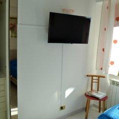 Отель Atticvs di Mamma Ines сейф в номере