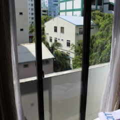 Отель LUCKYHIYA Мале балкон