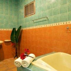 Отель Bangtao Varee Beach Пхукет ванная фото 2