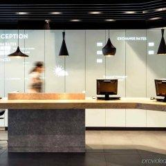 Отель ibis Brussels City Centre Бельгия, Брюссель - 2 отзыва об отеле, цены и фото номеров - забронировать отель ibis Brussels City Centre онлайн интерьер отеля фото 2