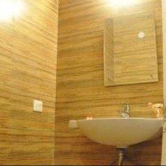Отель La Vista Индия, Нью-Дели - отзывы, цены и фото номеров - забронировать отель La Vista онлайн ванная фото 2
