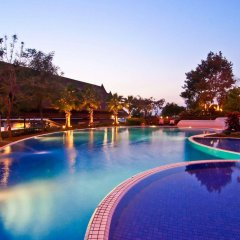 Champasak Grand Hotel бассейн
