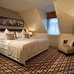 Отель ALDEN Suite Hotel Splügenschloss Zurich Швейцария, Цюрих - 9 отзывов об отеле, цены и фото номеров - забронировать отель ALDEN Suite Hotel Splügenschloss Zurich онлайн комната для гостей фото 2