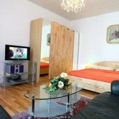 Апартаменты Mozart Apartments Вена комната для гостей фото 5