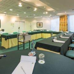 Отель Holiday Inn Lisbon Португалия, Лиссабон - 1 отзыв об отеле, цены и фото номеров - забронировать отель Holiday Inn Lisbon онлайн фото 7