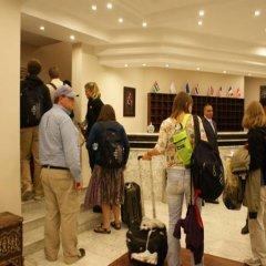 Отель La Maison Hotel Иордания, Вади-Муса - отзывы, цены и фото номеров - забронировать отель La Maison Hotel онлайн интерьер отеля фото 2