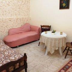 Отель Ibn Khaldoon Apartment Иордания, Мадаба - отзывы, цены и фото номеров - забронировать отель Ibn Khaldoon Apartment онлайн комната для гостей