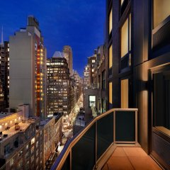 Отель Hilton Garden Inn New York Times Square South балкон