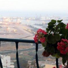 Отель The Artist's House Overlooking The Bay Of Haifa Хайфа балкон