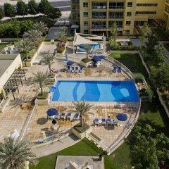 Отель Skai Residency (Ska1 Holiday Homes) бассейн