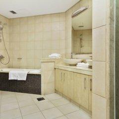 Отель Bespoke Residences - Shoreline Al Haseer ванная фото 2
