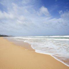 Отель Centara Ceysands Resort & Spa Sri Lanka пляж фото 2
