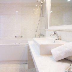 Отель The Kresten Royal Villas & Spa Греция, Родос - отзывы, цены и фото номеров - забронировать отель The Kresten Royal Villas & Spa онлайн ванная фото 2