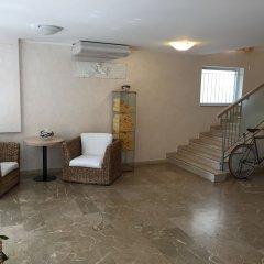 Hotel Stresa интерьер отеля