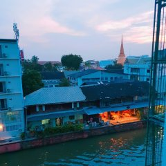 Baan Nampetch Hostel Бангкок бассейн