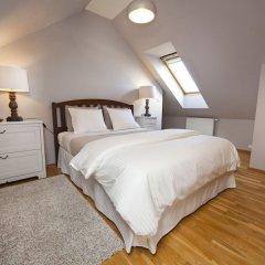 Апартаменты Spacious Treetop Apartment by easyBNB Прага комната для гостей