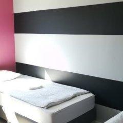 Tetris Hostel сейф в номере