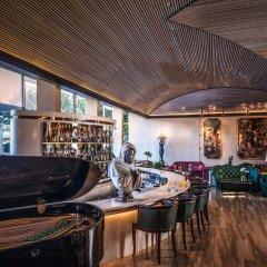 Отель Rome Cavalieri, A Waldorf Astoria Resort гостиничный бар