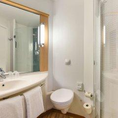 Отель Ibis Kortrijk Centrum Бельгия, Кортрейк - 1 отзыв об отеле, цены и фото номеров - забронировать отель Ibis Kortrijk Centrum онлайн ванная фото 2
