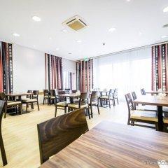 Отель Holiday Inn Express Cologne Mulheim Кёльн помещение для мероприятий