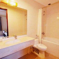 Отель Alagon Western Hotel Вьетнам, Хошимин - отзывы, цены и фото номеров - забронировать отель Alagon Western Hotel онлайн ванная