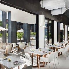 La Ville Hotel & Suites CITY WALK, Dubai, Autograph Collection питание фото 2