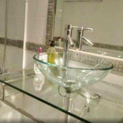 Отель Piso en Barrio de Salamanca ванная фото 2